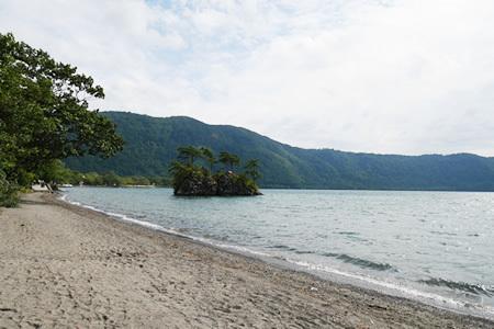 十和田湖の恵比寿大黒島