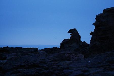 男鹿半島のゴジラ岩
