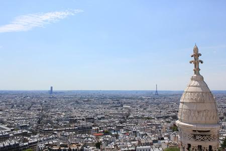 サクレ・クール寺院のドームからパリを見渡す