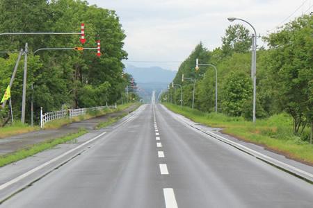 まーっすぐの道