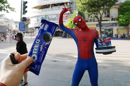 スパイダーマンにオレオを貰った